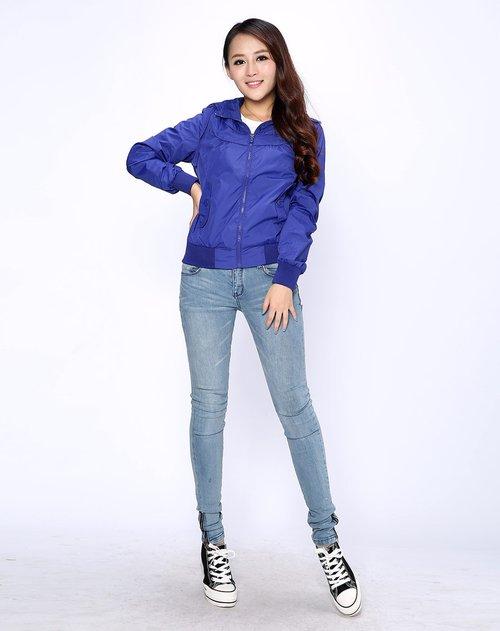 蓝色天空 连帽基础款紫蓝色长袖夹克
