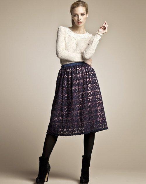 深蓝色绣花蕾丝半裙