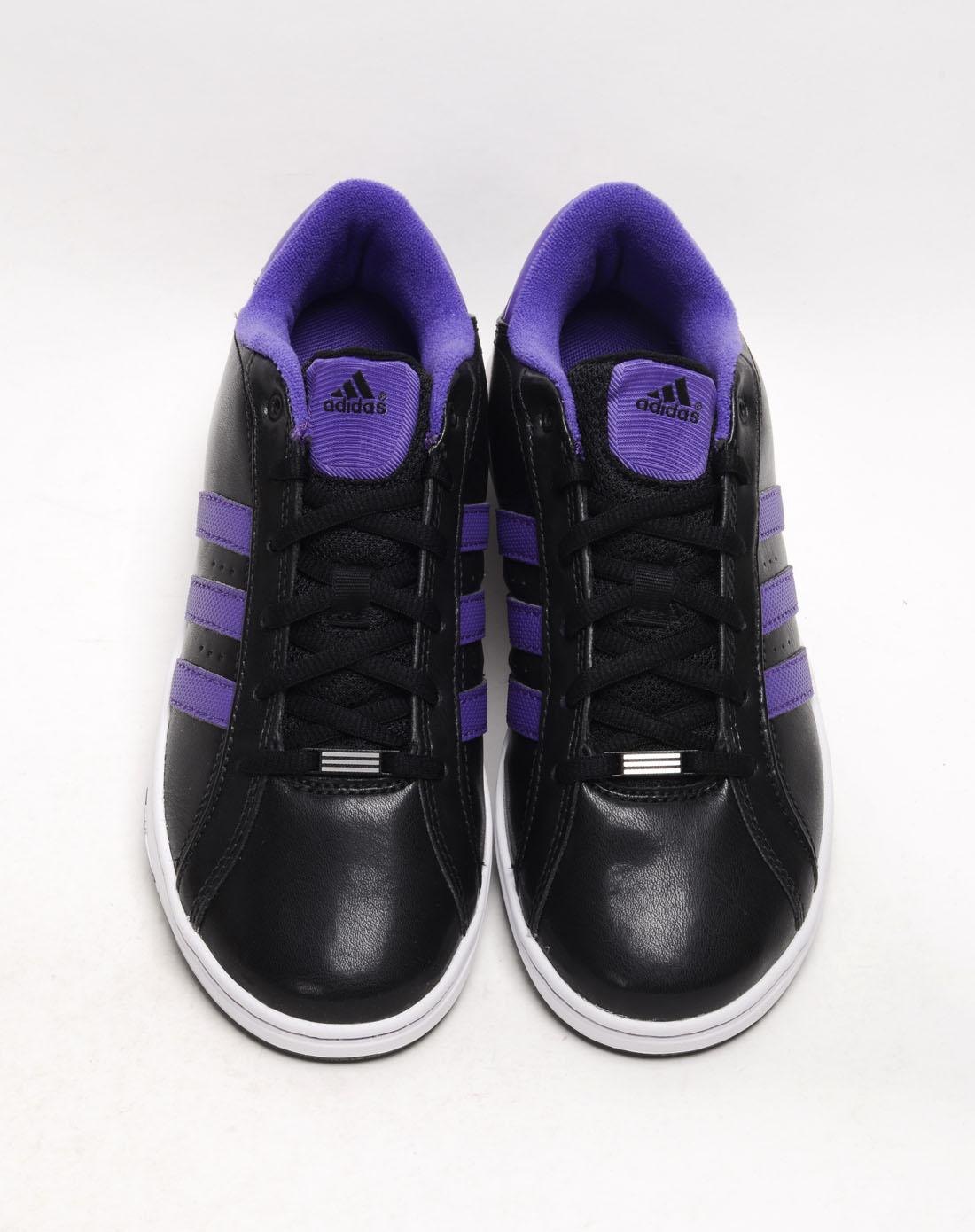 阿迪达斯adidas女子黑色篮球鞋g23643