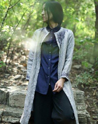 素缕souline灰色《锦绣》文艺圆领刺绣风衣sl图片