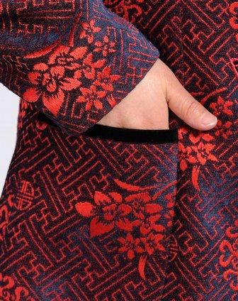 红色古典花纹立领唐装外套