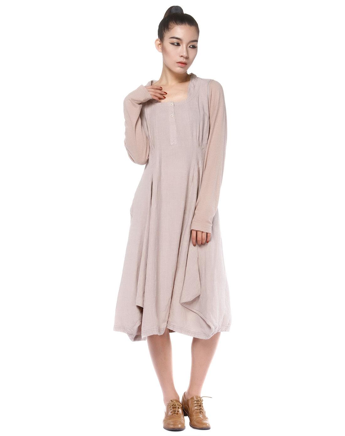 浅灰褐色拼布长袖连衣裙图片