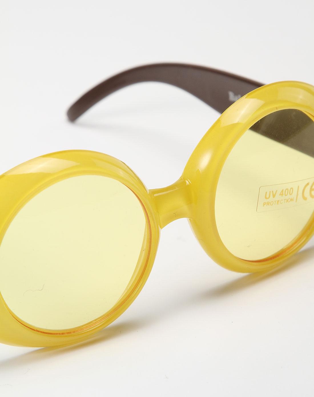 女童黄色可爱太阳眼镜