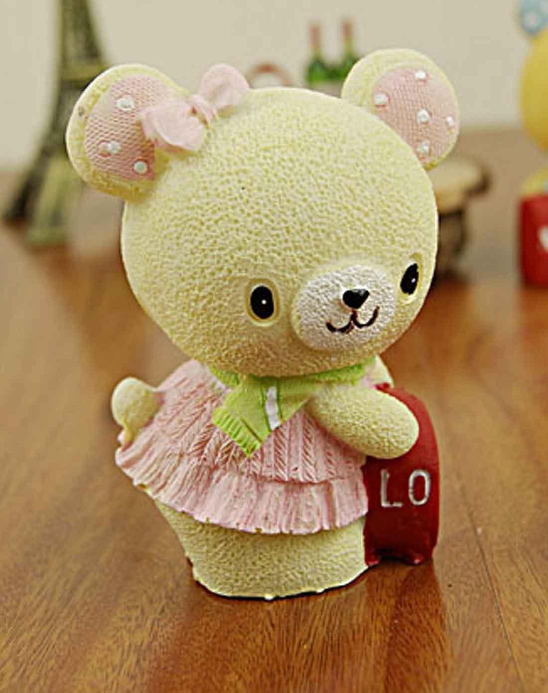> 情侣爱心树脂小熊摆件