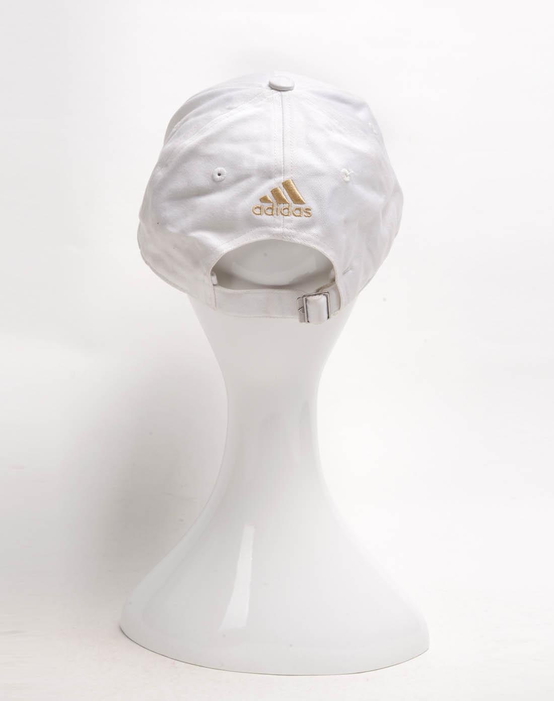 女子白色帽子