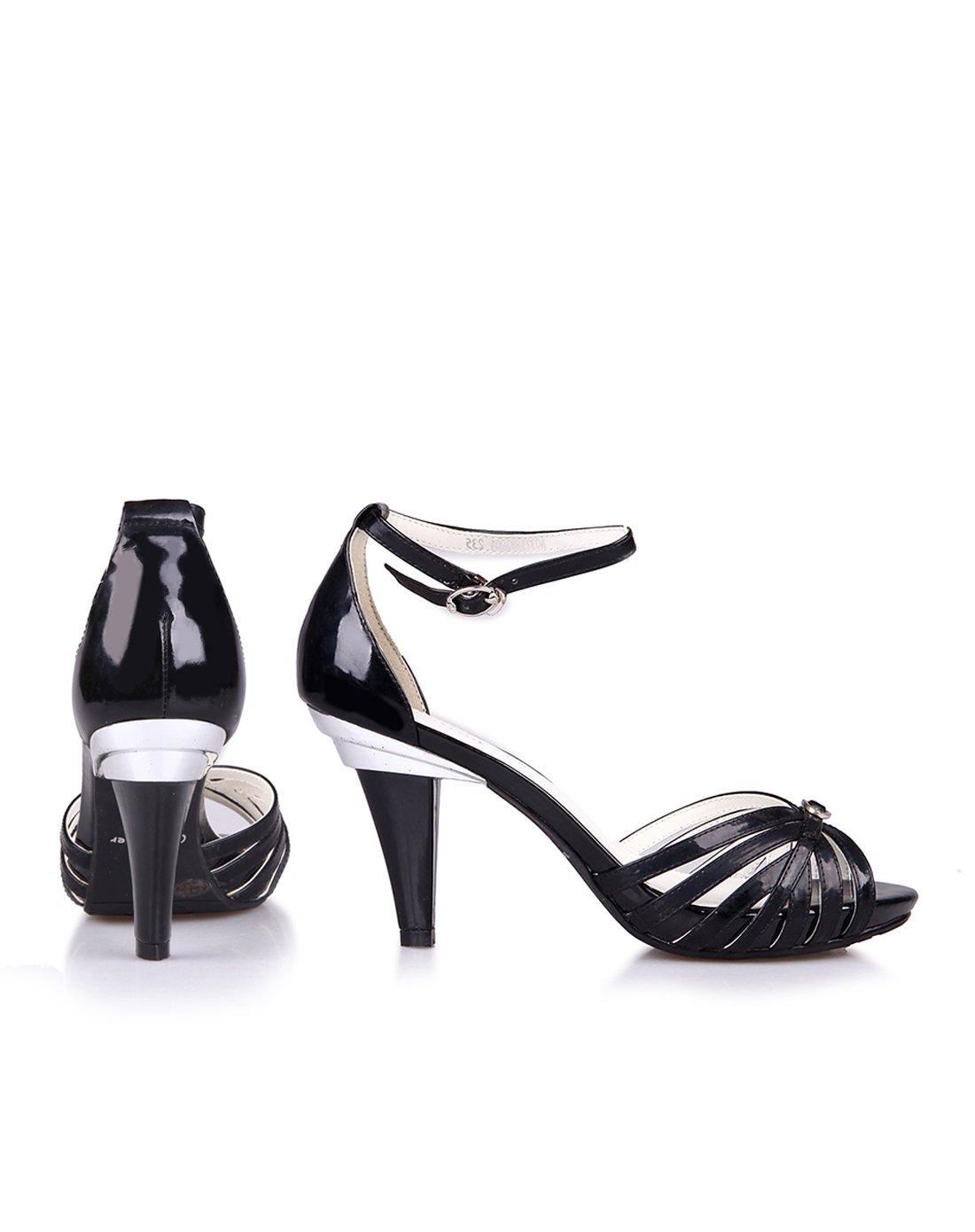 女款黑色羊漆时尚百搭凉鞋
