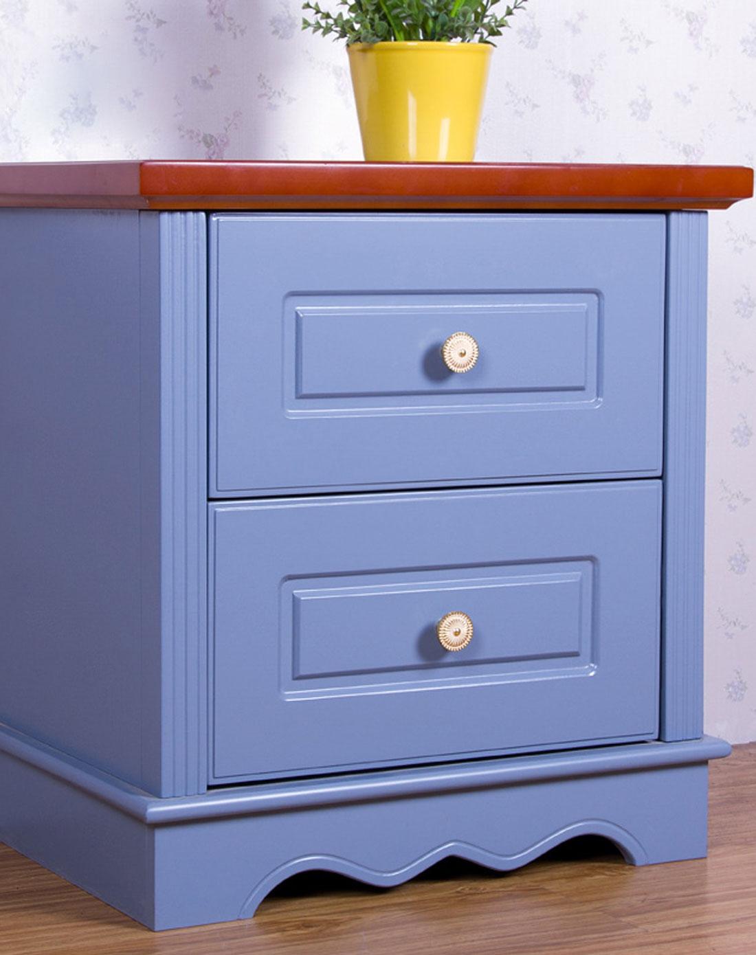 蓝色烤漆床头柜