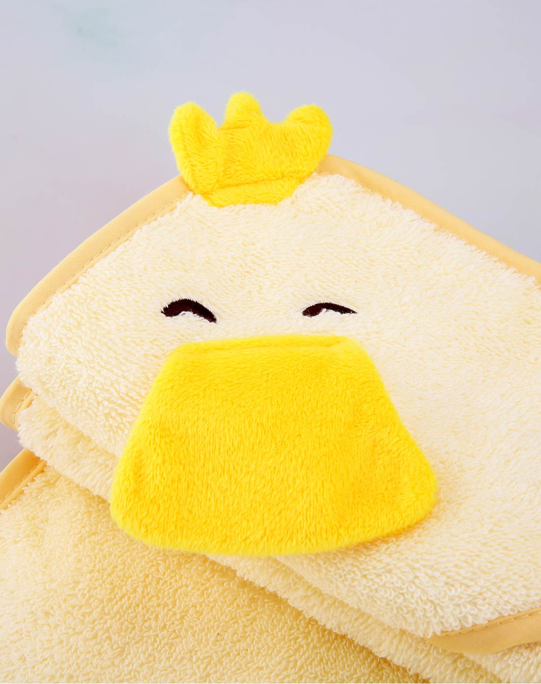中性浅黄色可爱小鸭婴童浴巾