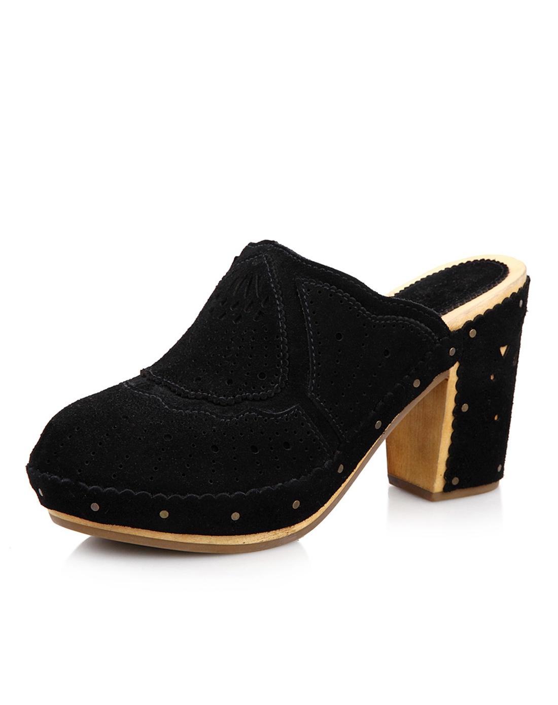 ash 黑色牛反毛镂空花纹凉鞋