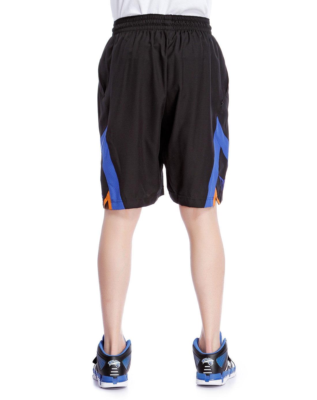 黑色篮球运动短裤