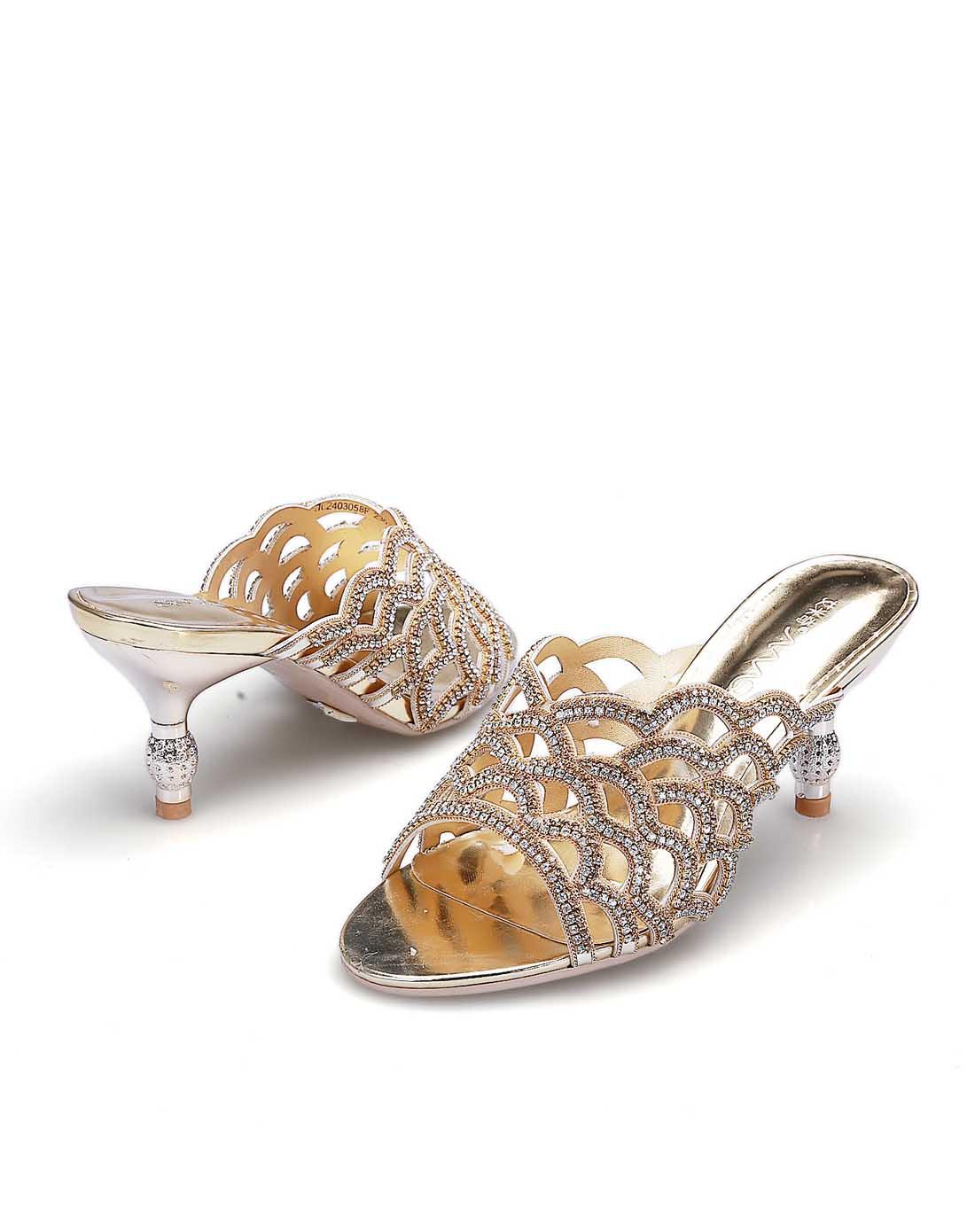 金属凉拖鞋