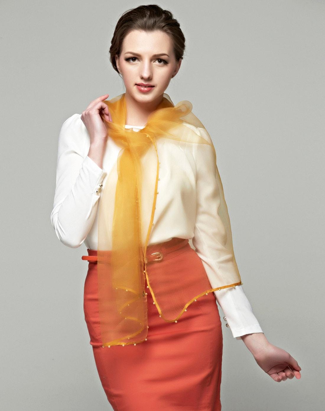 欧女肉缝_朵薇拉女春款真丝欧根纱透明黄色丝巾