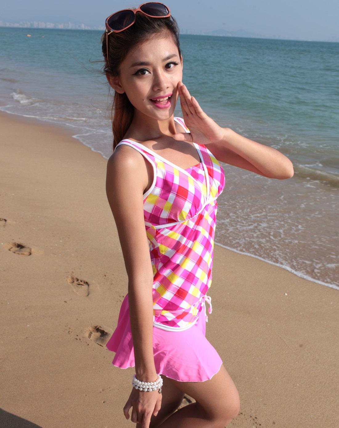 女款粉白色泳衣