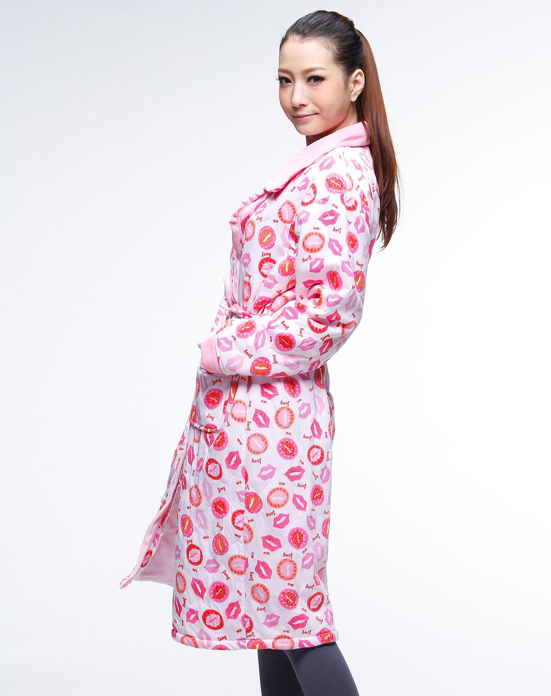 芷菲jeife 可爱唇印簿棉袍