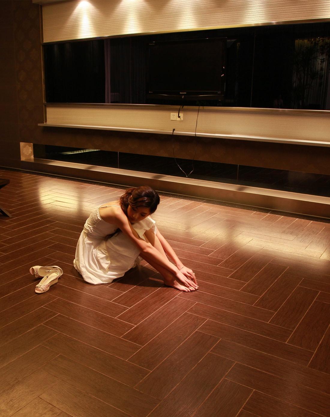 900*600橡木瓷木地板(片装)