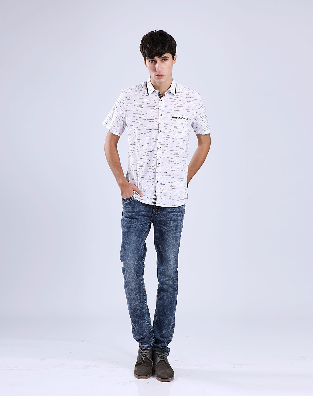 男士白色短袖休闲衬衫