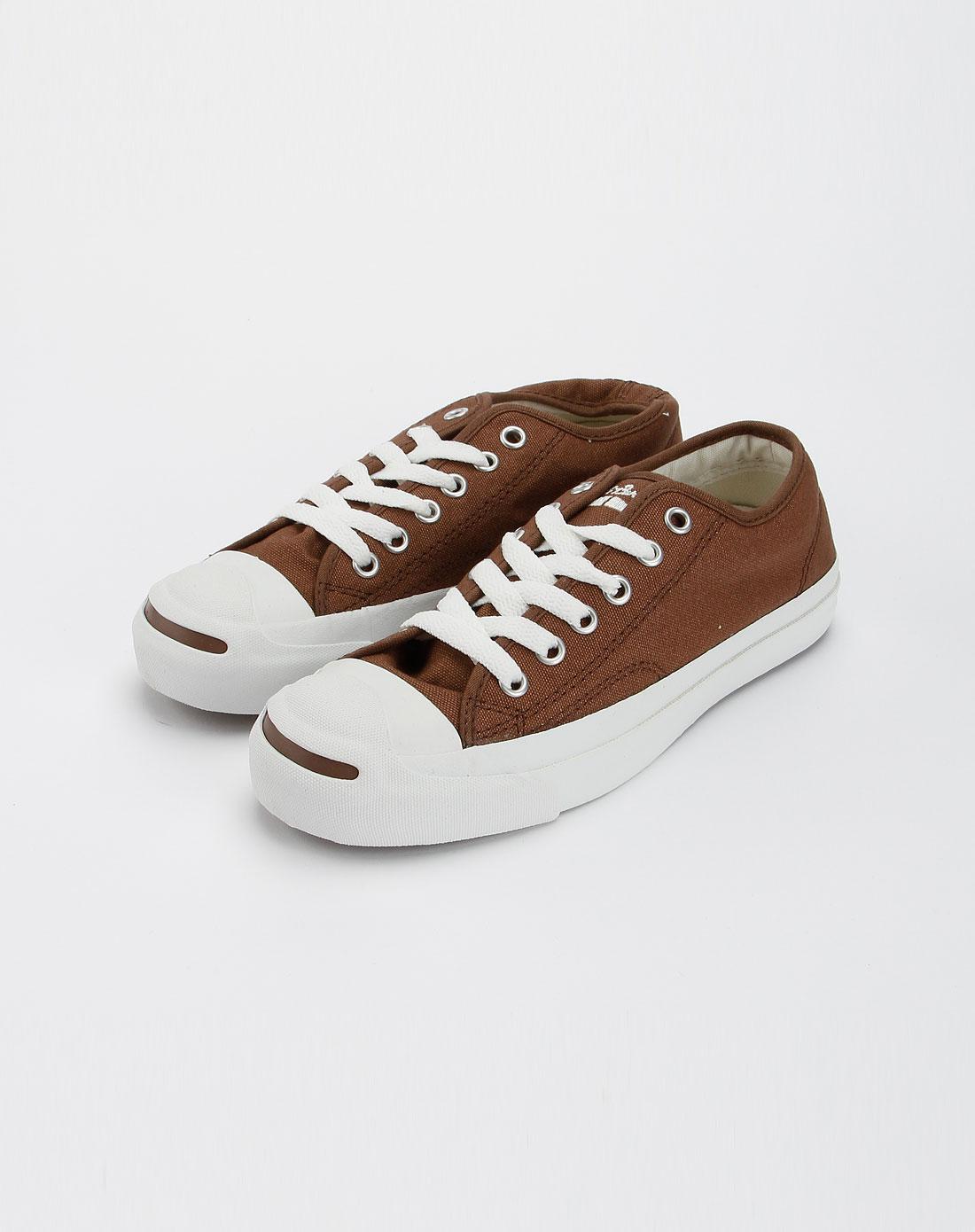 低帮帆布鞋品牌图片
