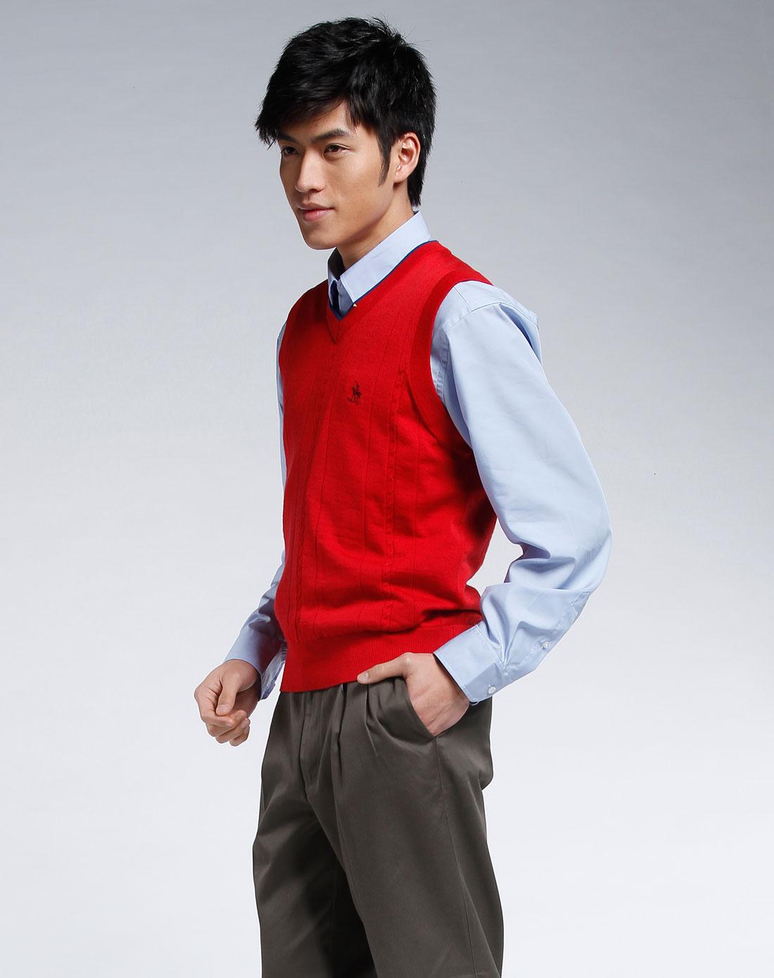 大红色v领毛衣背心