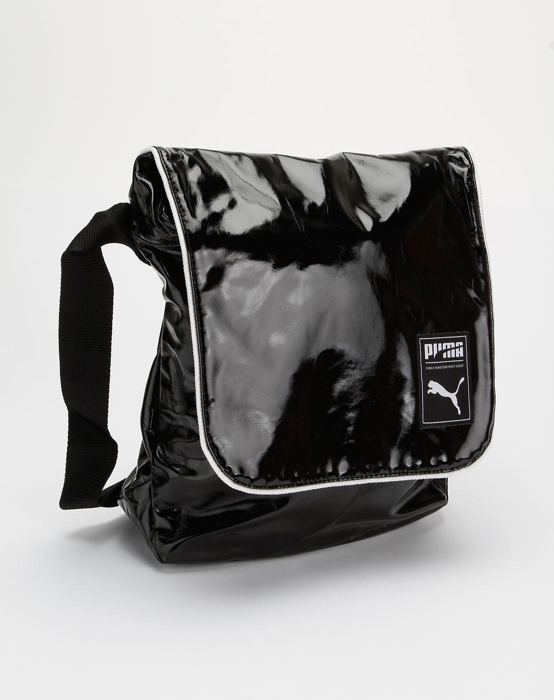 彪马puma黑/白色时尚斜挎包06909701