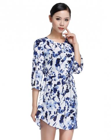 时尚水墨画印花白底蓝色中袖连衣裙