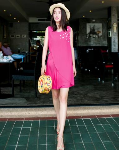 玫粉色连衣裙搭配_citiz玫粉色浮片钉珠压褶雪纺 连衣裙