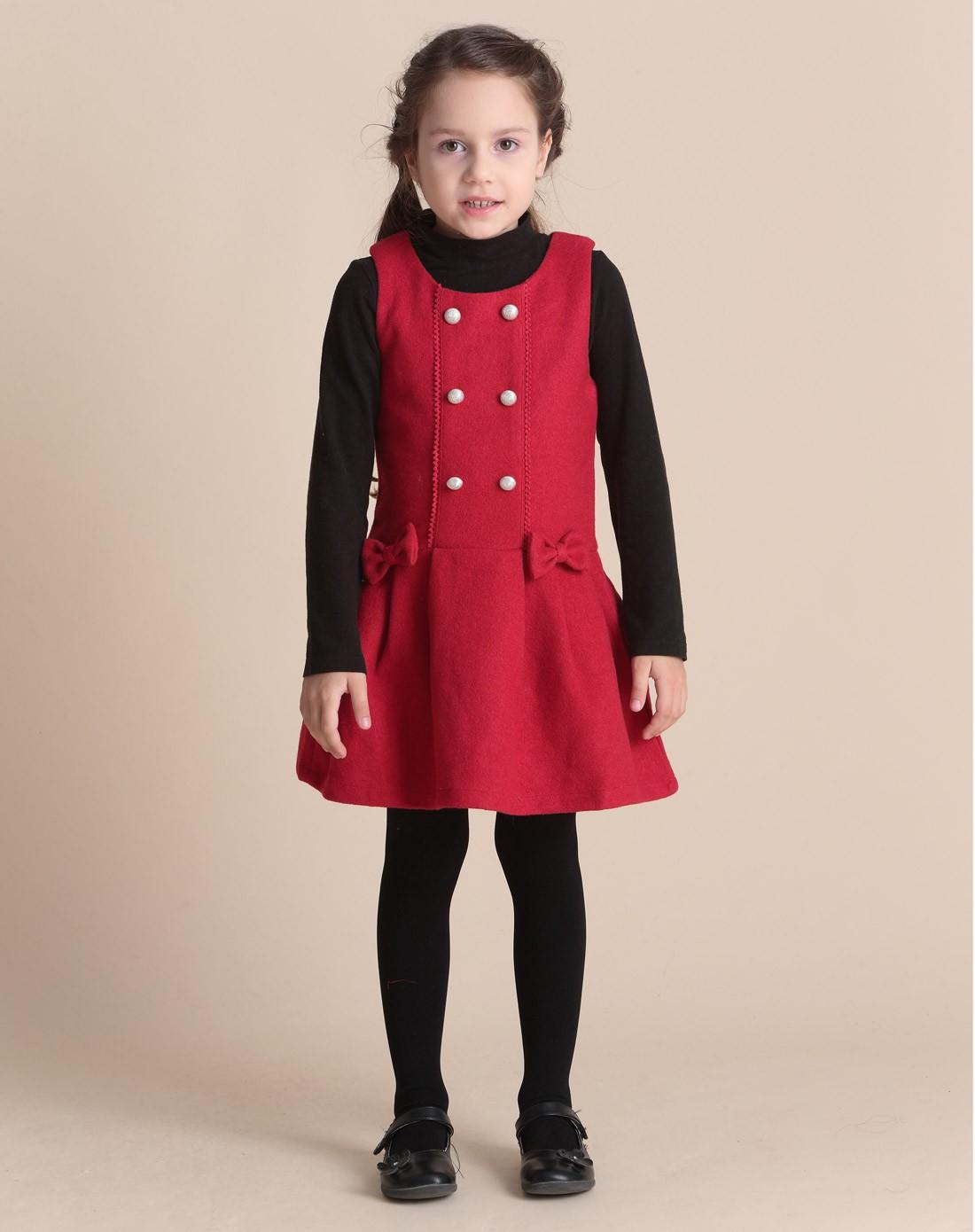 红色马甲裙怎么搭配