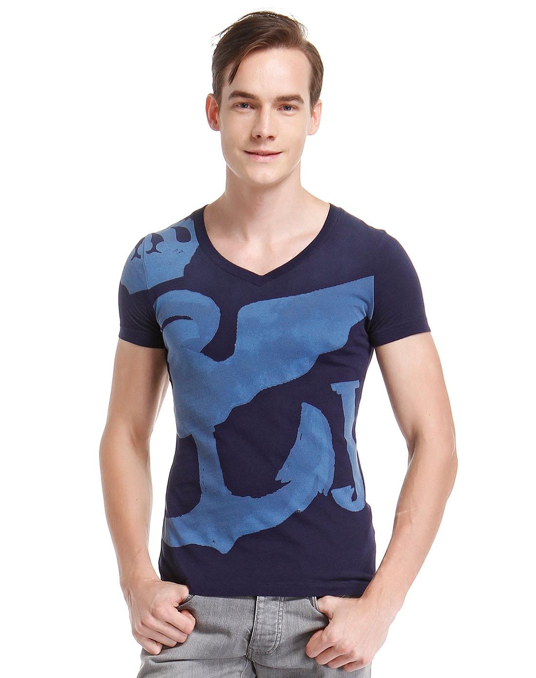 男款手绘图案藏青色v领短袖t恤
