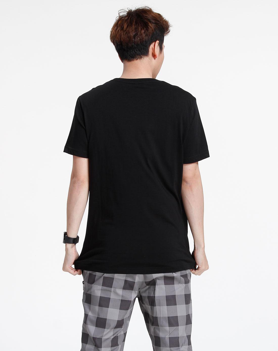 森马-男装黑色印图短袖t恤002151032-900图片