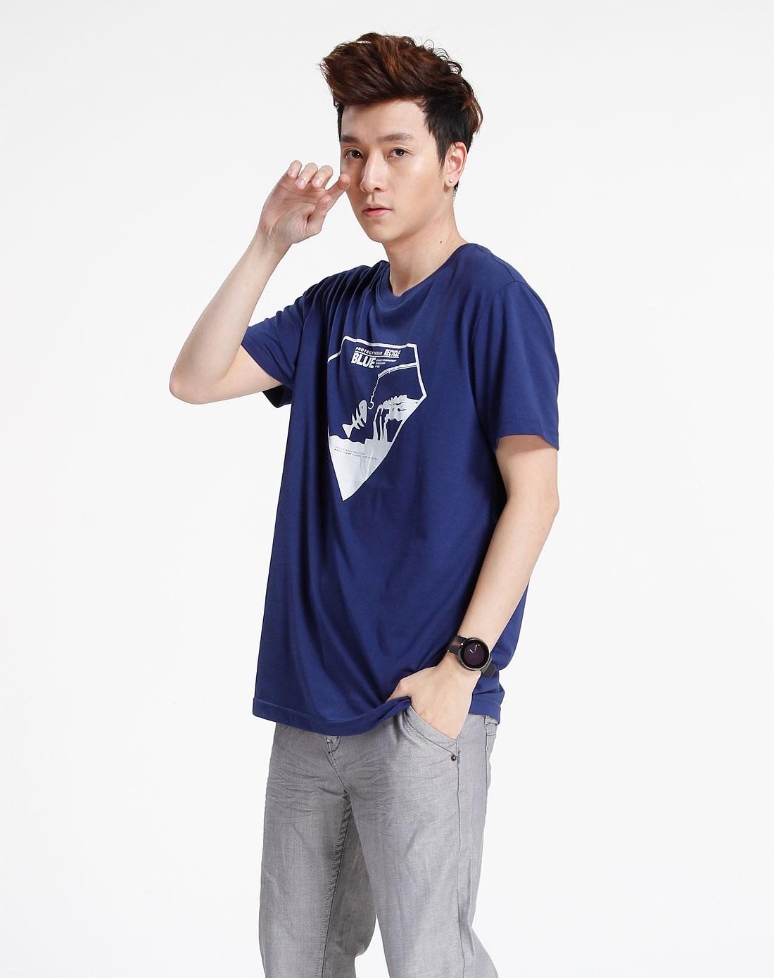 森马-男装深蓝色休闲印花短袖t恤002151127-844图片