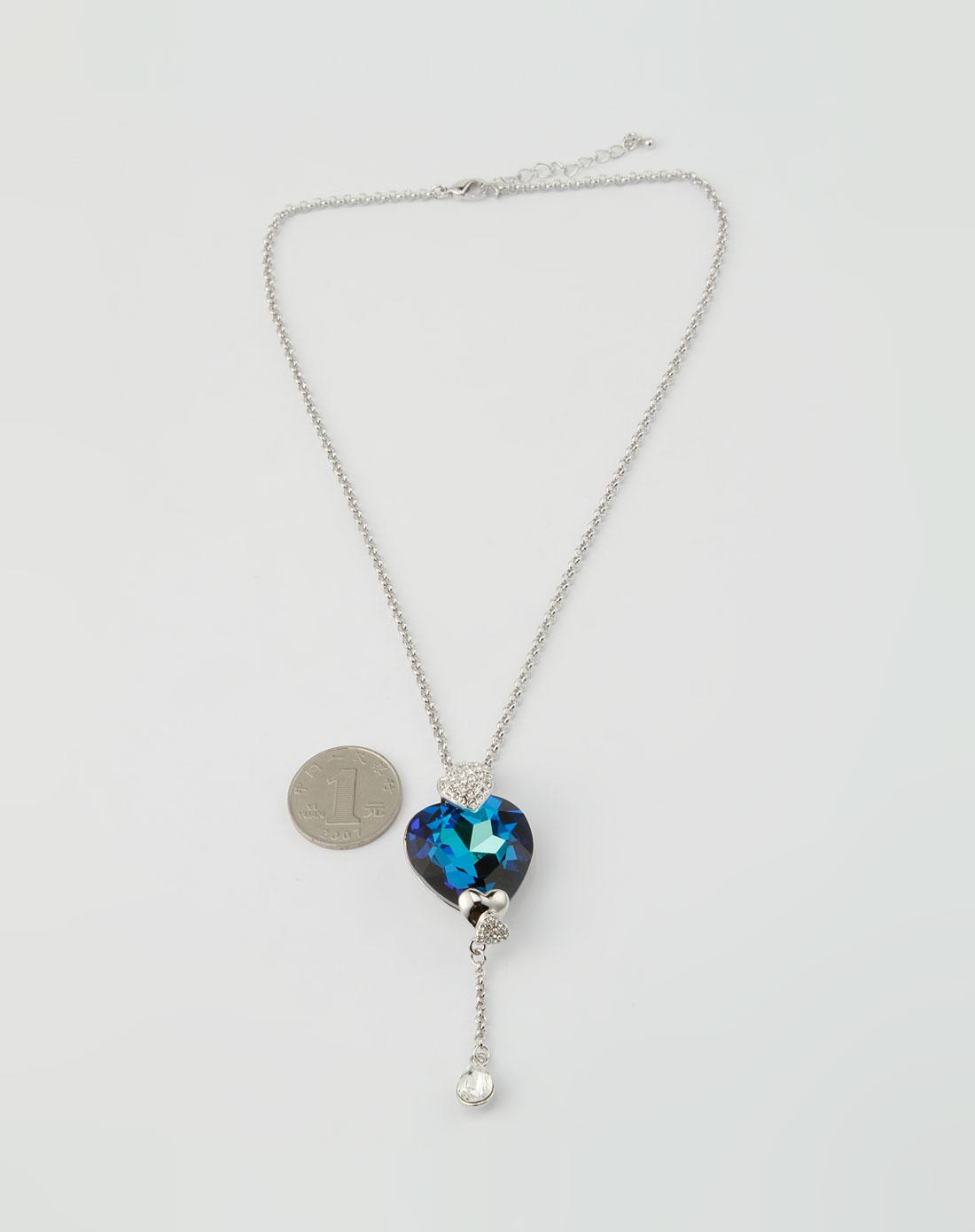 蓝色心形水晶项链