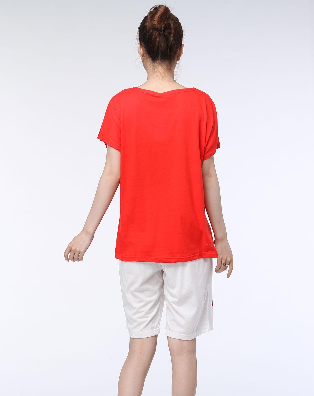 大红色圆领休闲短袖套装