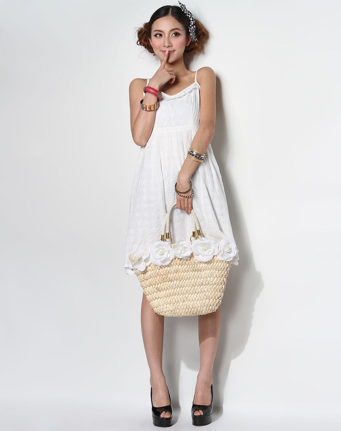 sweetie白色镂空绣花纹吊带连衣裙5211207900