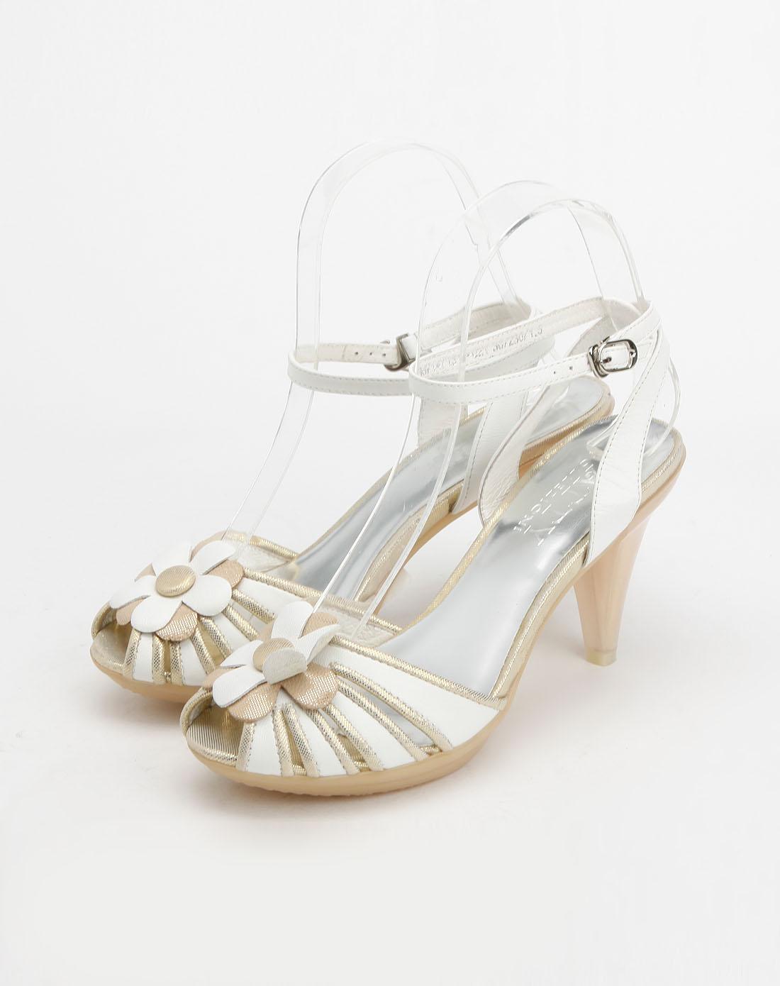 白色花纹布鱼嘴高跟凉鞋