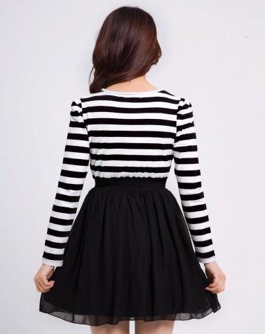 黑白横条针织雪纺拼接甜美公主长袖连衣裙