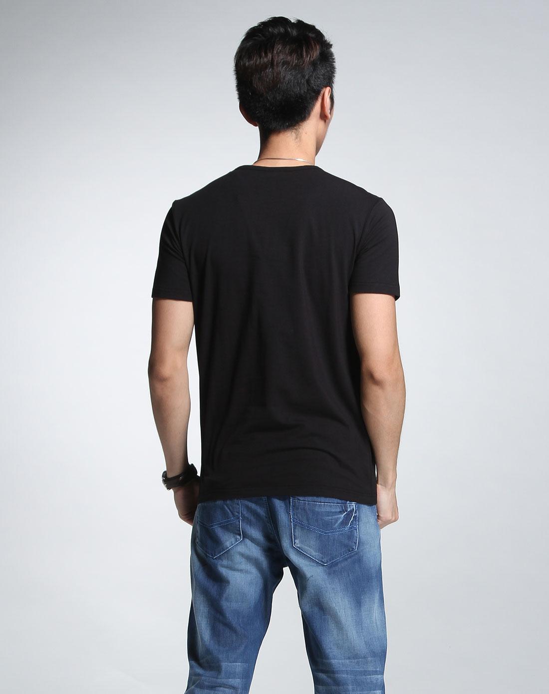 黑衣服设计图案