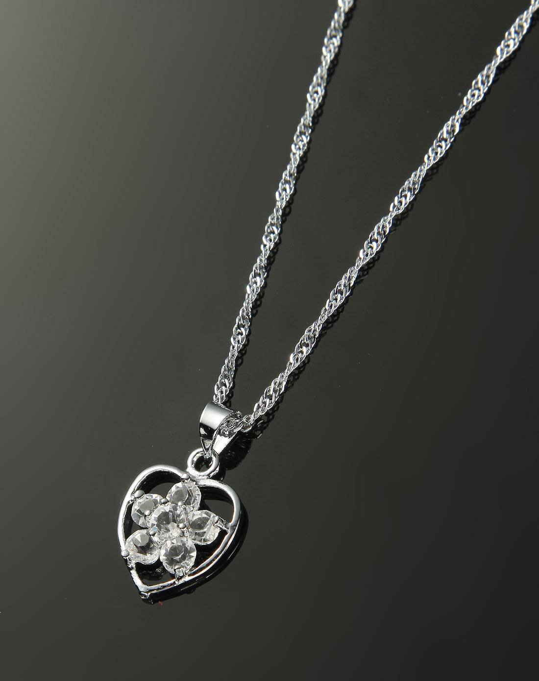 白色时尚心形项链