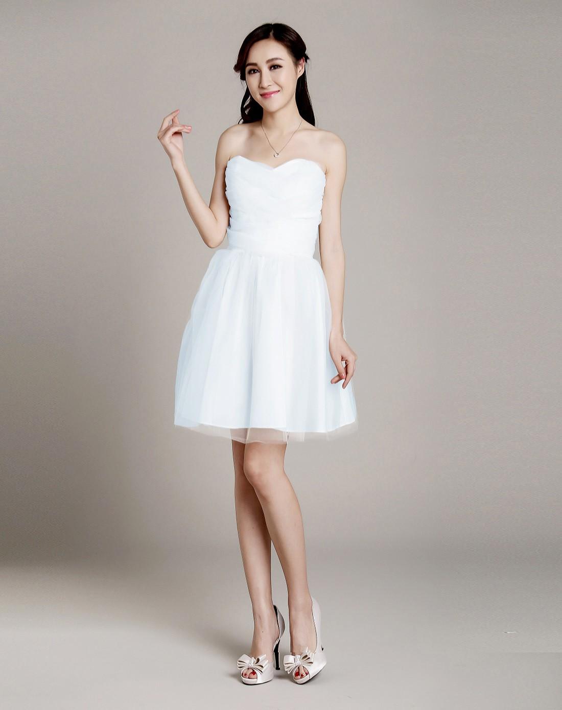 白色梦幻气质抹胸礼服连衣裙