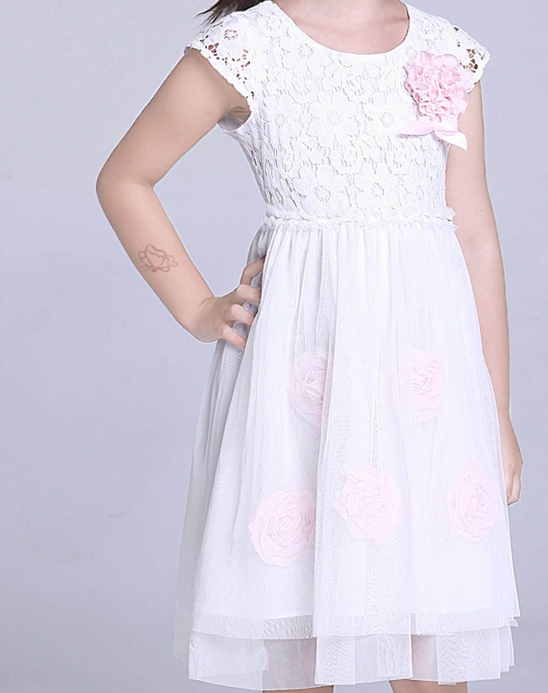 女童白色公主连衣裙