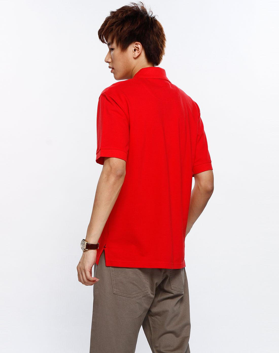 大红色短袖t恤衫