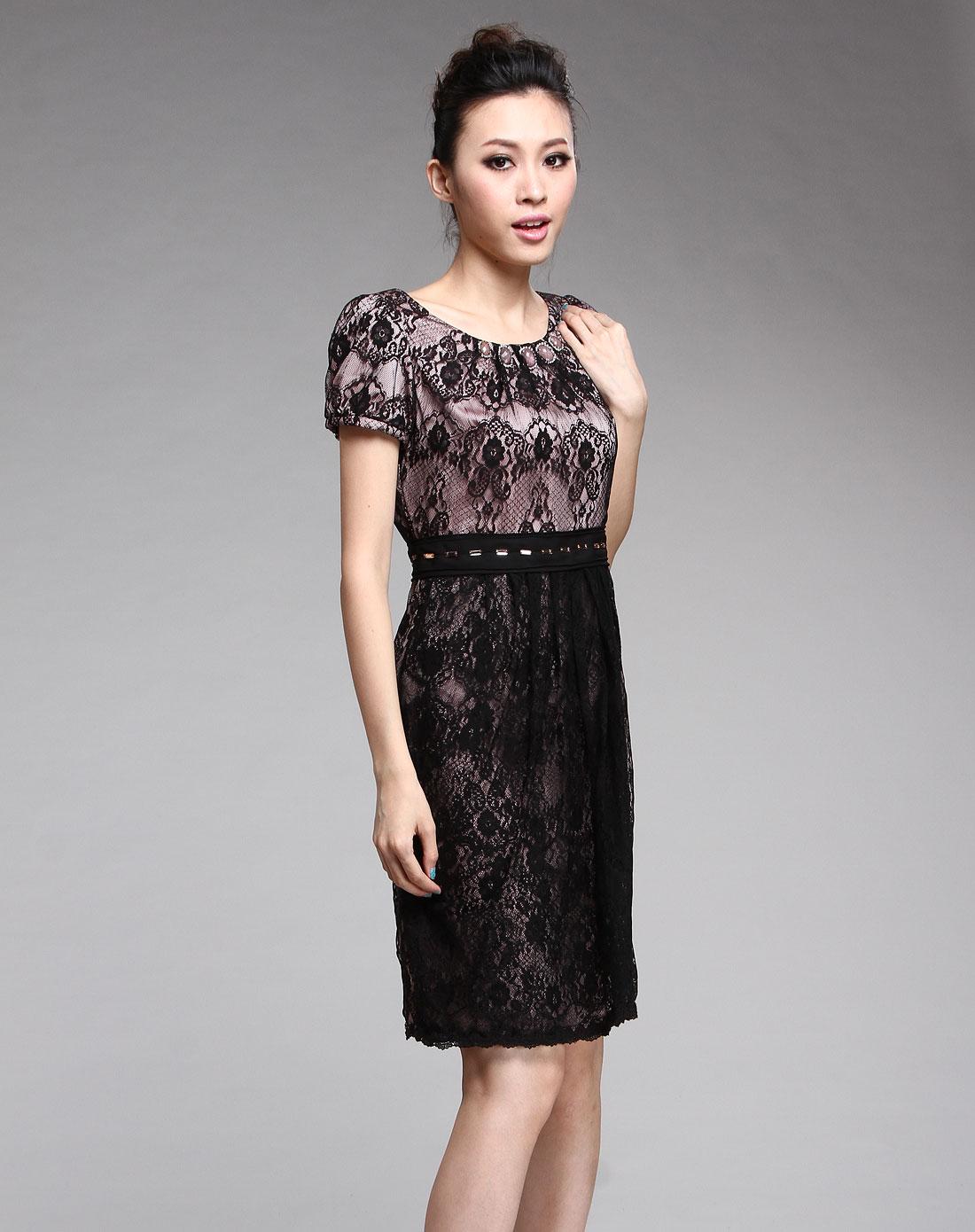 黑色蕾丝花纹短袖连衣裙