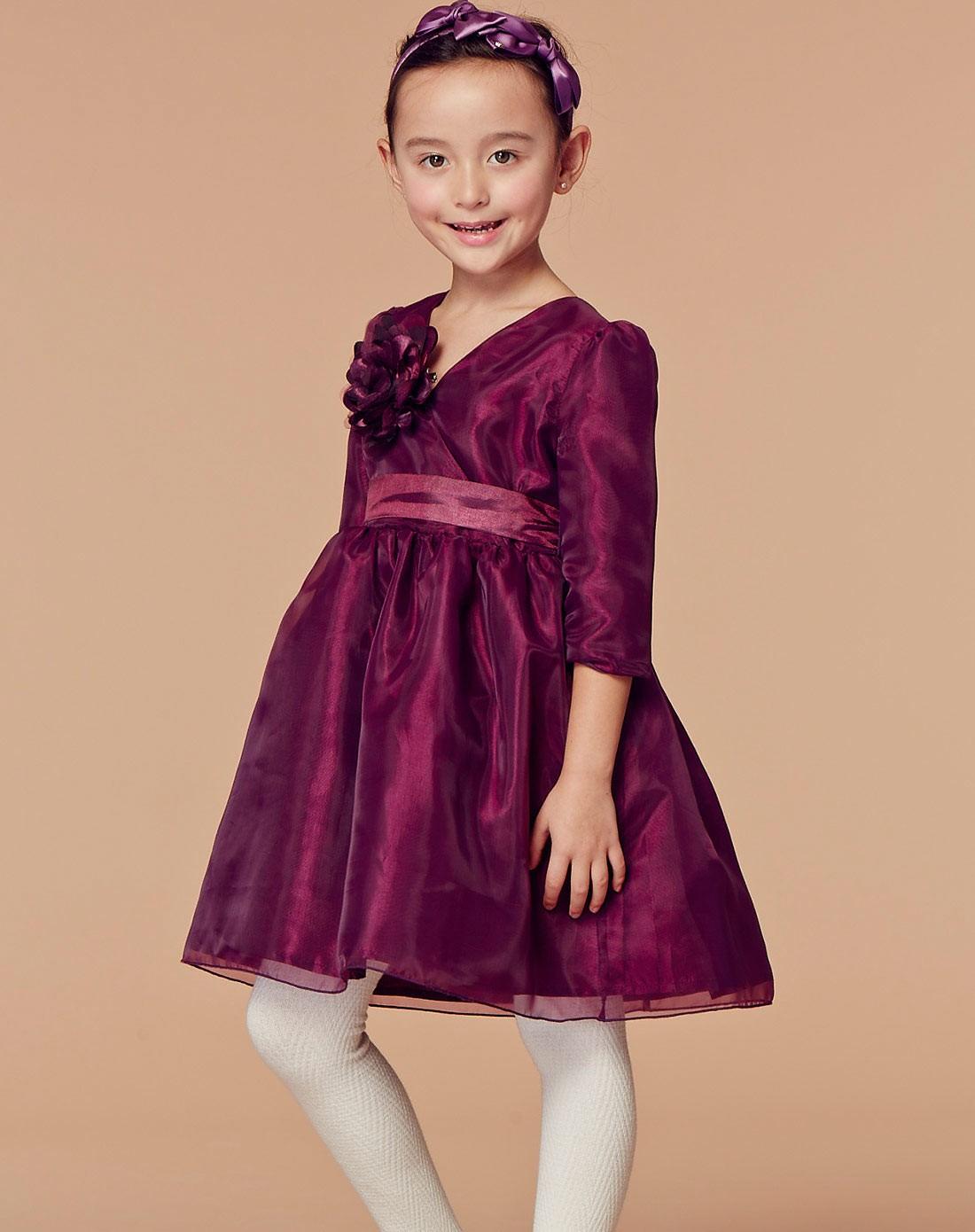 女童紫色连衣裙