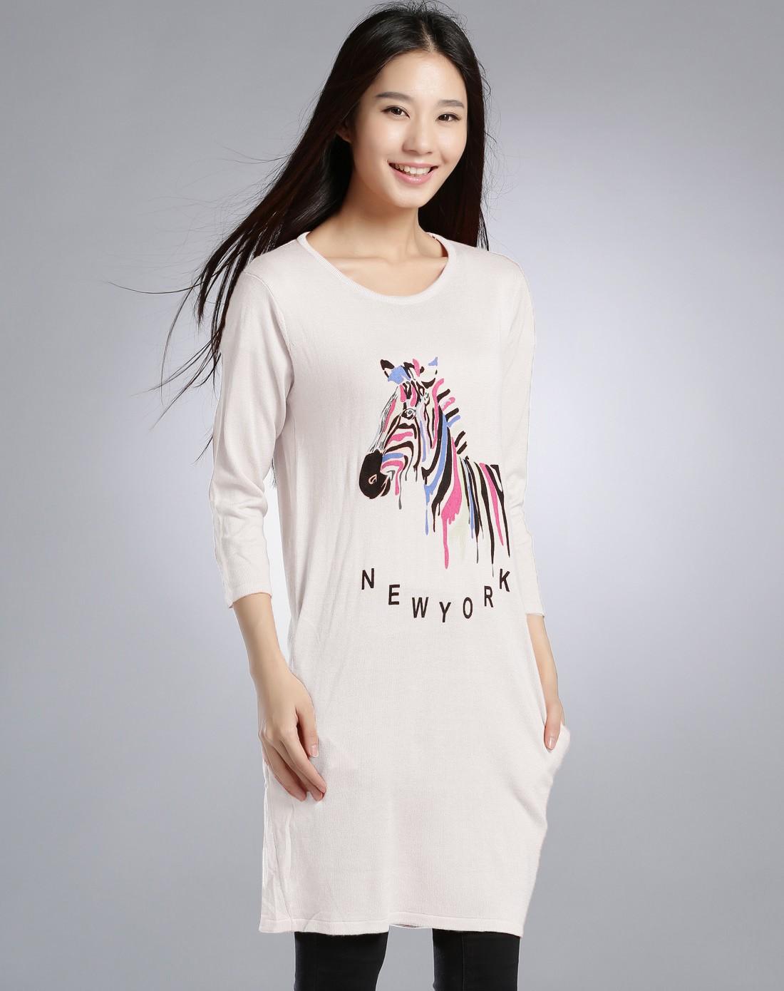 白色可爱图案优雅上衣