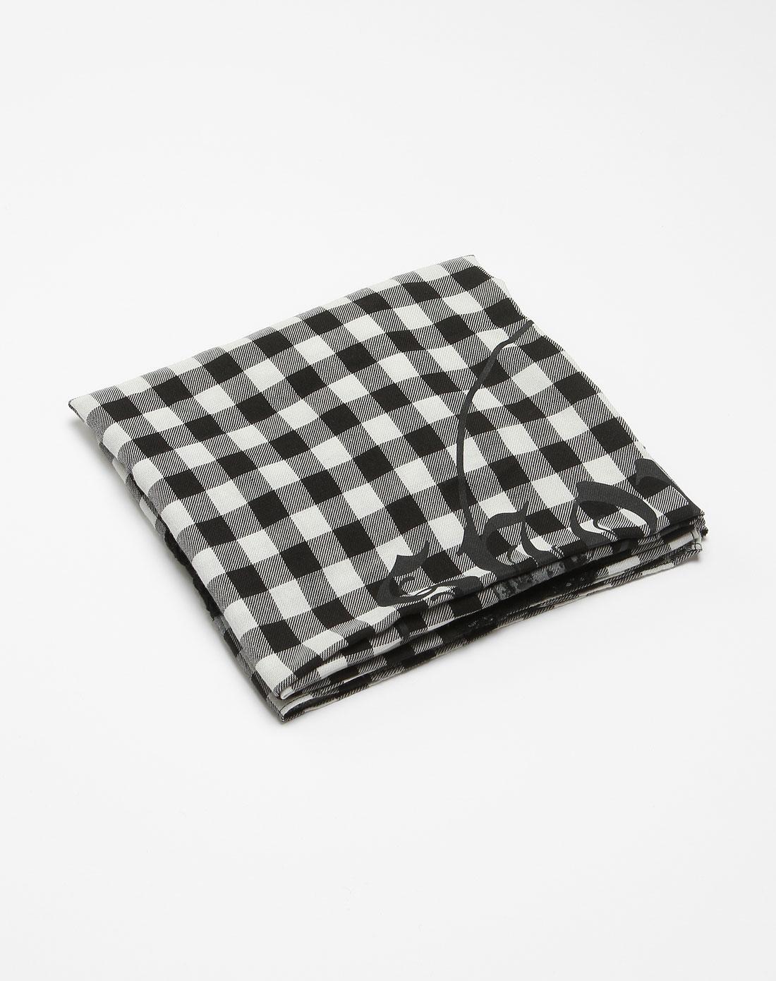 黑白色格子拼料时尚围巾