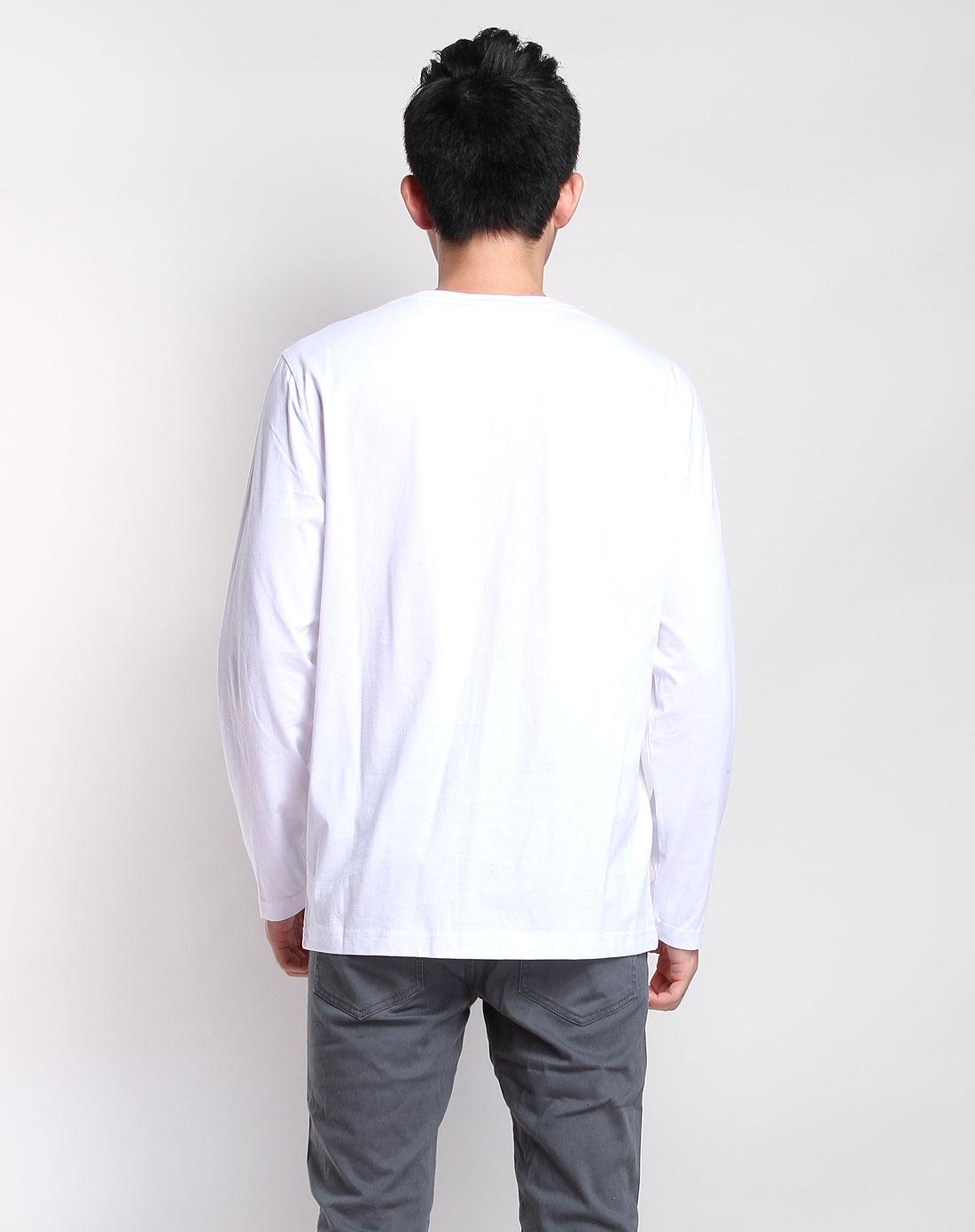 白蓝色字母渐变长袖t恤