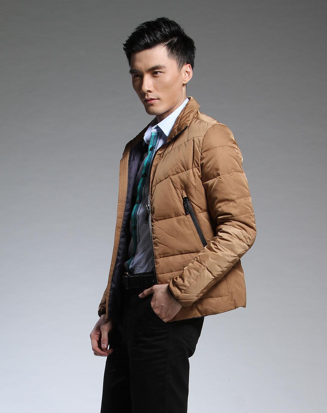 男款长袖驼色时尚羽绒服铜v长袖链图片