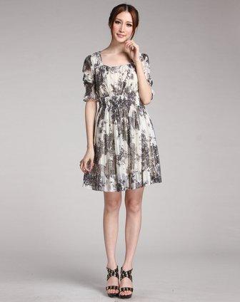 诺琪nochi米白底黑色蕾丝花纹中袖连衣裙5161d70