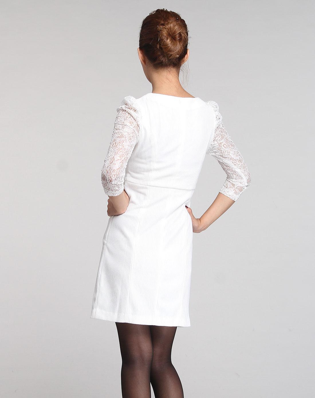 白色气质蕾丝长袖连衣裙
