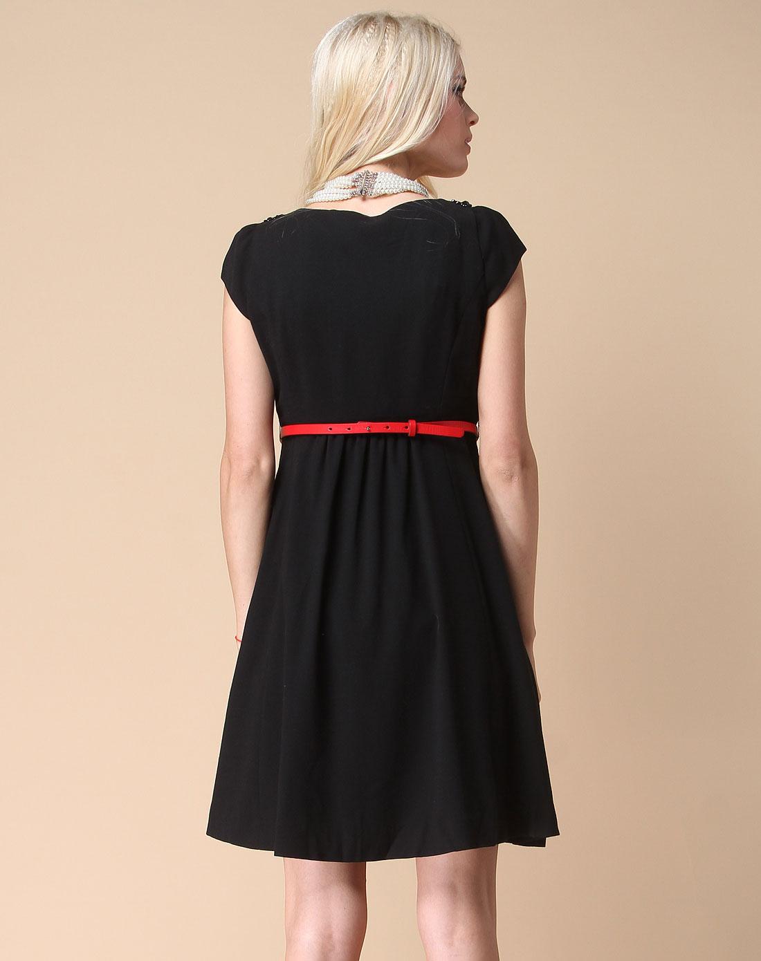 雪纺黑色连衣裙V字领