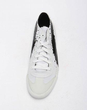 白底黑色泼墨纹个性休闲帆布鞋