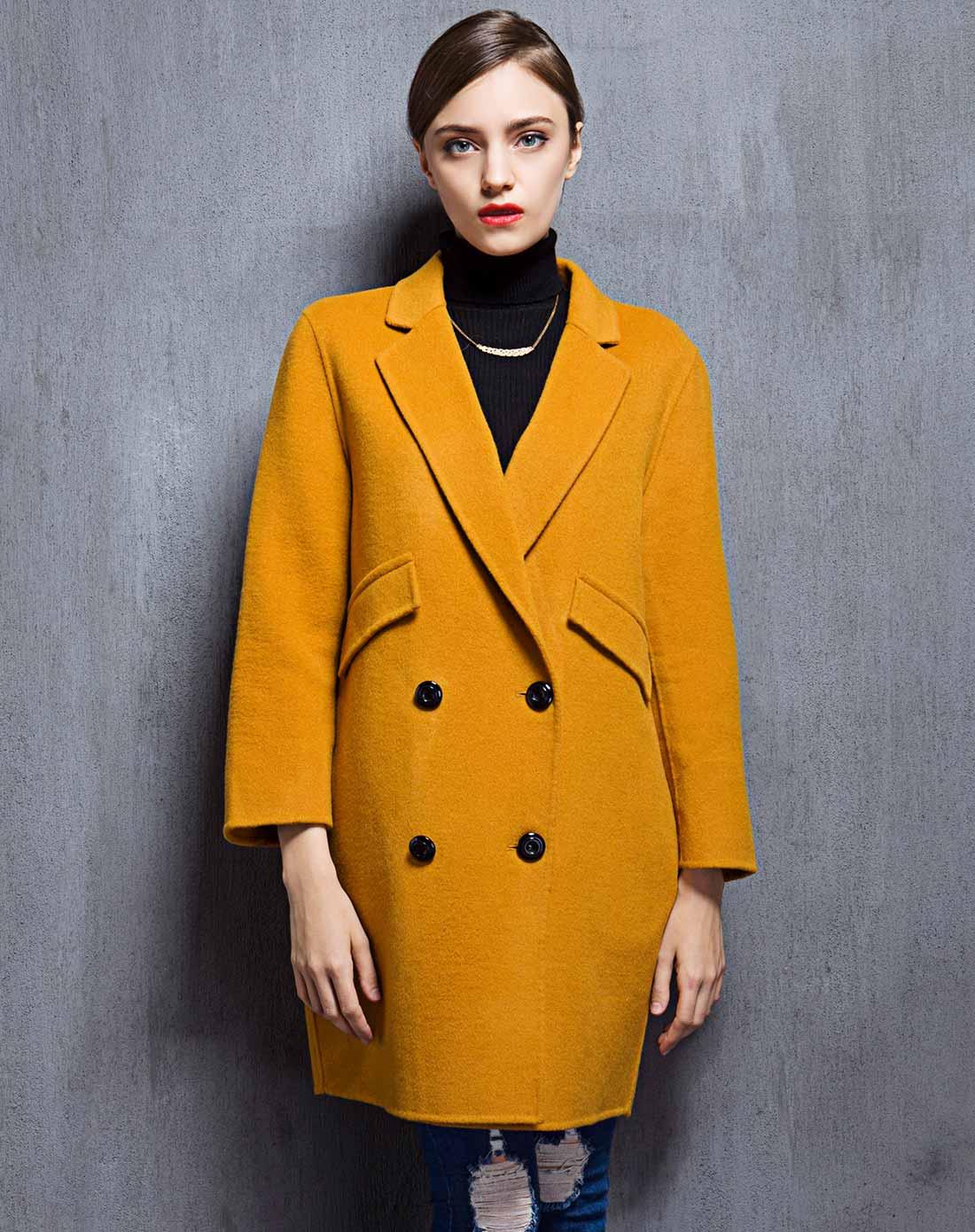 > 女款黄棕色双面呢大衣